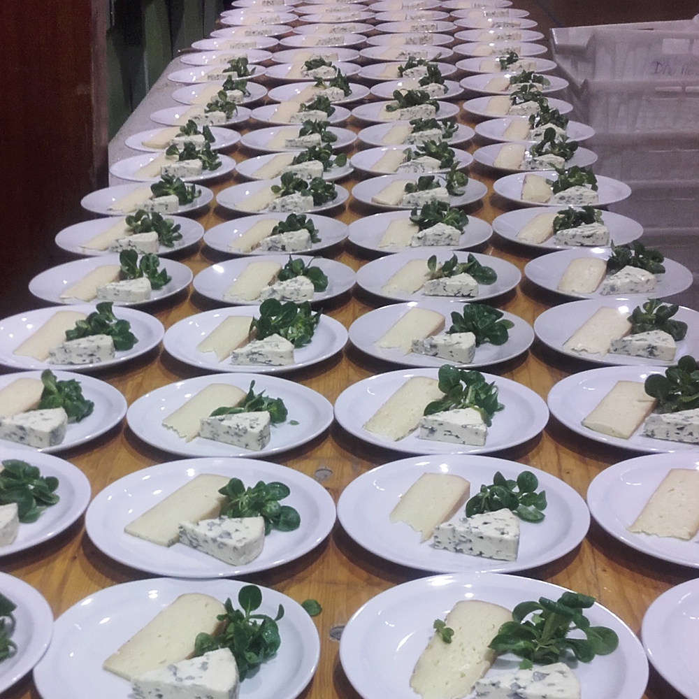 Repas de groupe - assiette de fromage